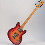 Fender Semi-Hollow Short-Scale Starcaster Bass (STARCASTERBASS)